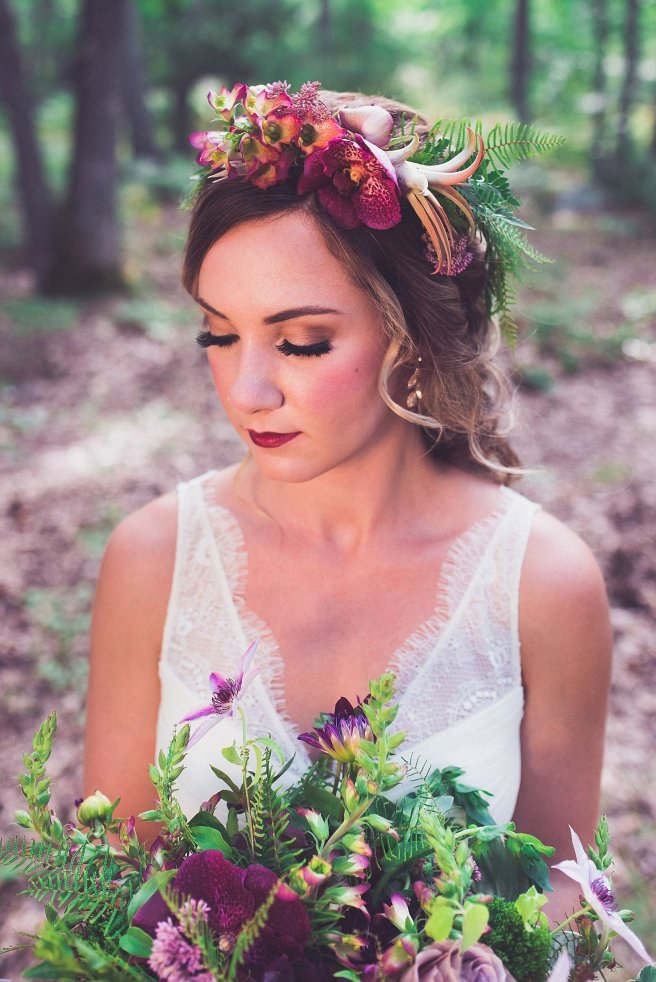 fairytale wedding, fairy tale, brothers grimm, grimm fairy tale, dark, rich, rich wedding colors, burgundy, mysterious, lush, lush wedding colors, style shoot, photo shoot, wedding inspiration, pink, red, purple, plum, forest, romantic